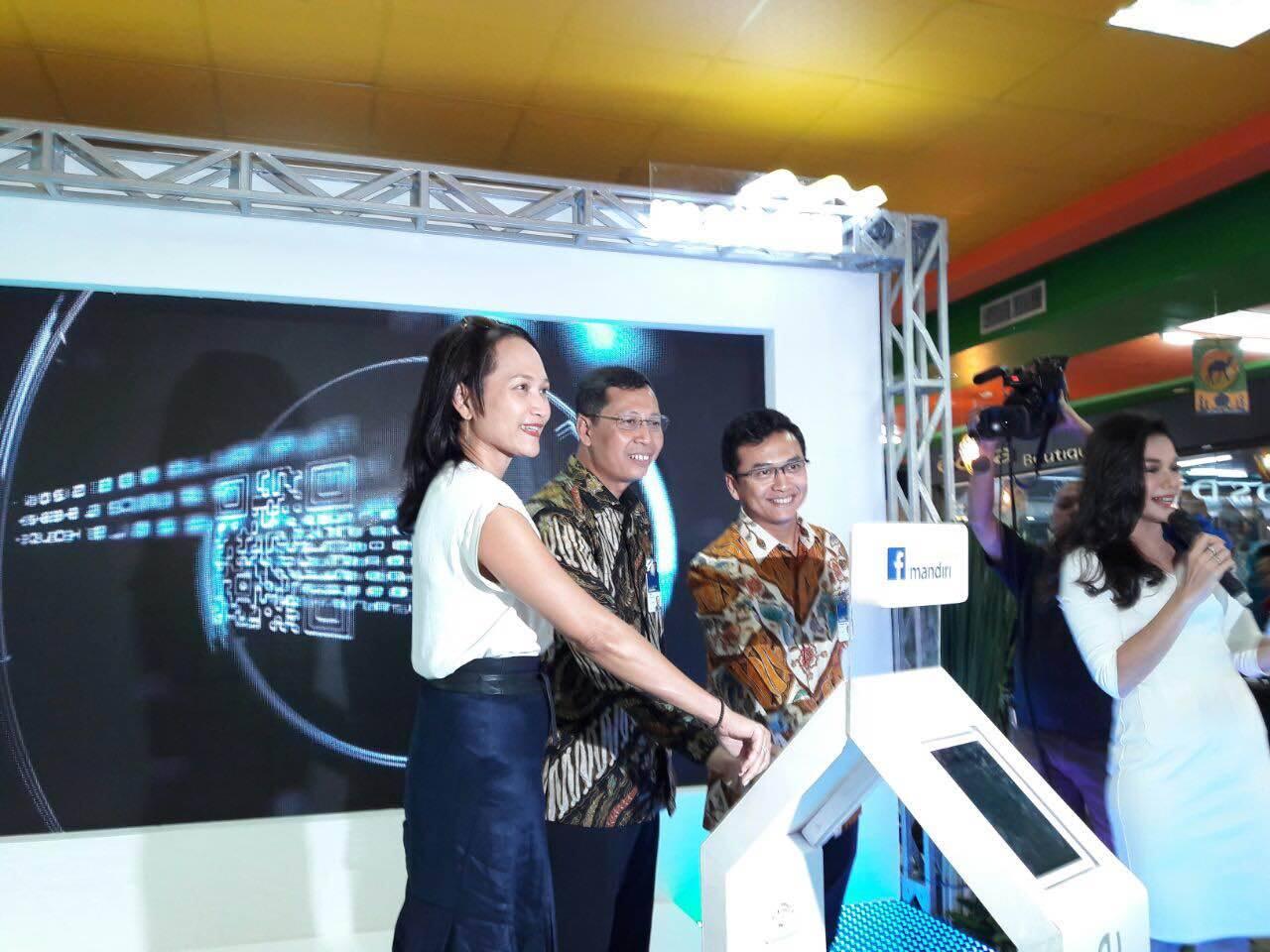 kartu debit pertama di Indonesia yang dapat digunakan sebagai sarana pembayaran pemasangan iklan di Facebook