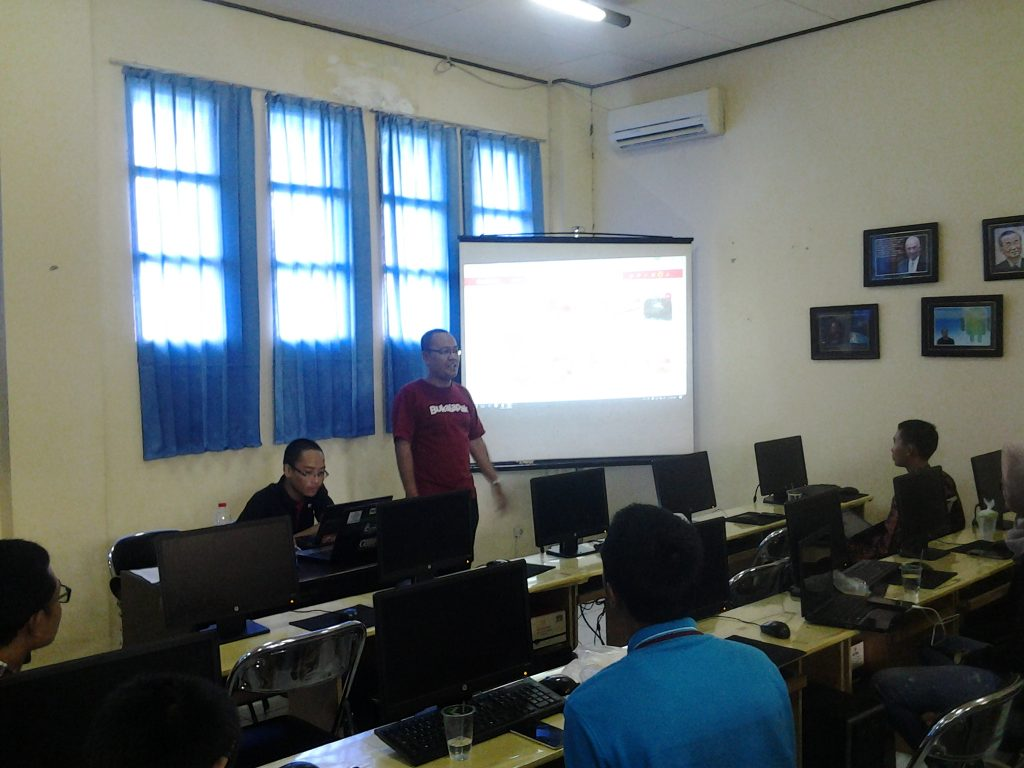 Workshop E-Commerce oleh HIMAKOM dan Komunitas Bukalapak Banjarmasin